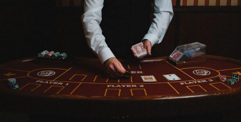 Cinq conseils pour gagner fréquemment au poker en ligne
